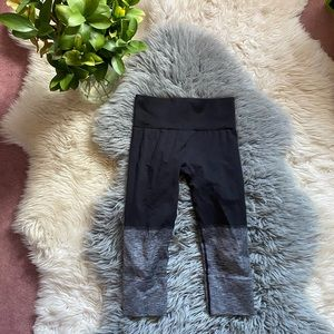 Lululemon Seamless Cropped Leggings